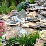 <b>Как украсить садовый участок</b>