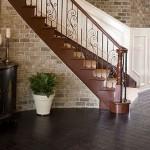 <b>Примеры интерьера гостиных с лестницами</b>
