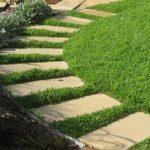 <b>Плитка из бетона для дорожек-обустраиваем сад</b>